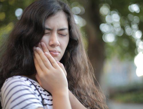 Síntomas de rechazo del implante dental
