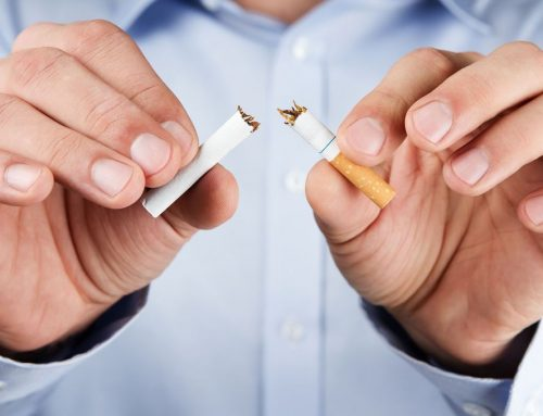 ¿Por qué el tabaco es un factor de riesgo para el implante dental?